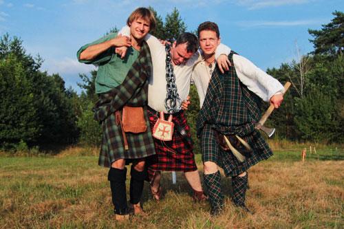 Мастера стриптиза в килте шотландцев